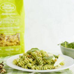 pasta-con-pesto-di-noci-e-spinaci