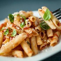 Penne Rigate en sauce tomate piquante - Pauline&Olivier