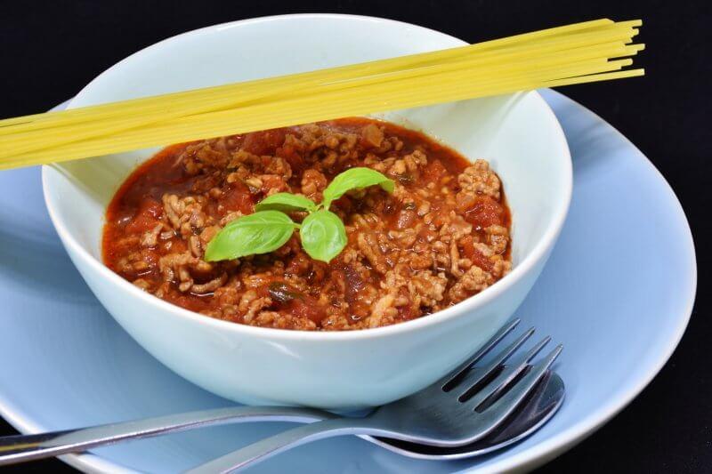 maccheroncini sauce bolognaise maison
